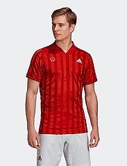 adidas Performance - FREELIFT TEE ENGINEERED AERORE - t-shirts - 000/scarlet - 0