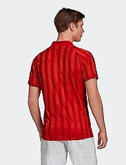 adidas Performance - FREELIFT TEE ENGINEERED AERORE - t-shirts - 000/scarlet - 3
