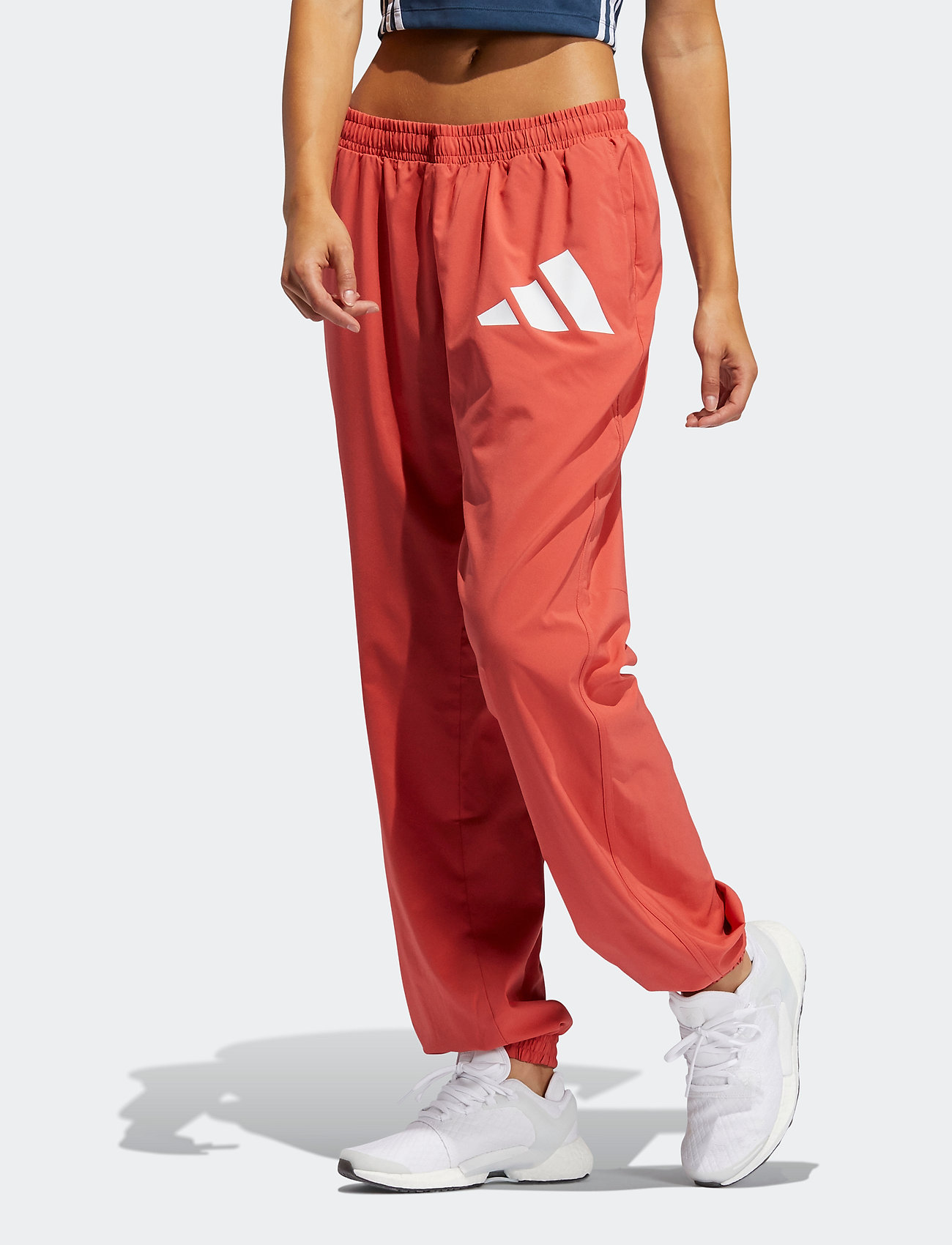 adidas Performance - Woven Badge of Sport Pants W - sportbroeken - crered/white - 0