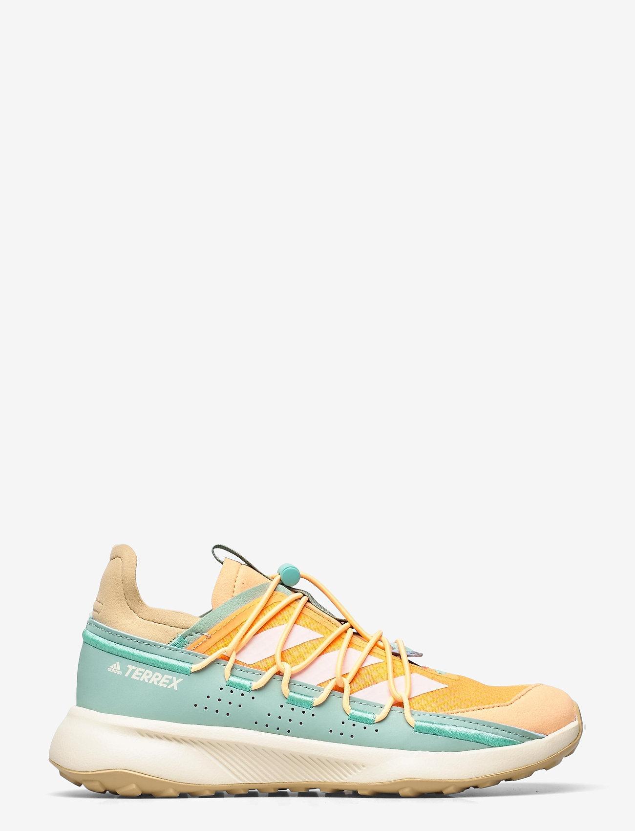 adidas Performance - Terrex Voyager 21 Travel  W - running shoes - scrora/cwhite/hazgrn - 1