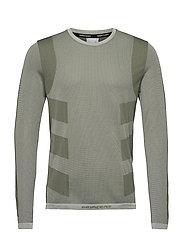 Studio Techfit Seamless Long Sleeve T-Shirt - CWHITE/WILPIN