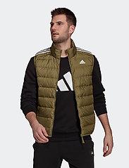 adidas Performance - Essentials Light Down Hooded Parka - sportjackor - focoli - 0