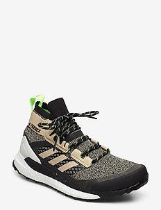 TERREX FREE HIKER - buty na wędrówki - savann/cblack/siggnr