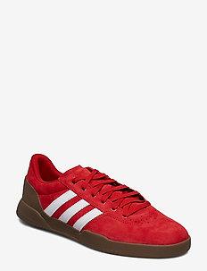 CITY CUP - training shoes - scarle/ftwwht/gum5