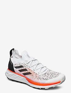 TERREX TWO PARLEY - chaussures de randonnée - crywht/cblack/solred