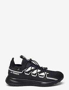 Terrex Voyager 21 Travel - running shoes - cblack/cwhite/gretwo