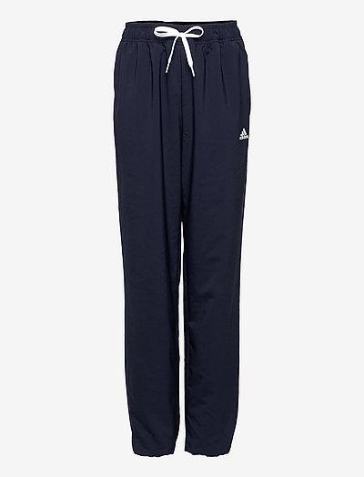Essentials Stanford Pants - sporthosen - legink/white