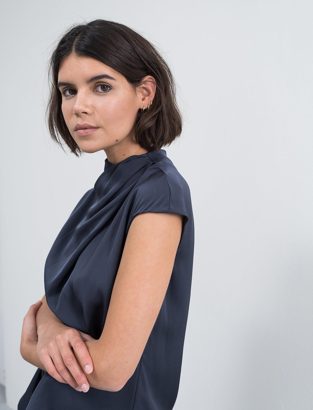Ahlvar Gallery - Lima top - blouses met korte mouwen - blue grey - 6