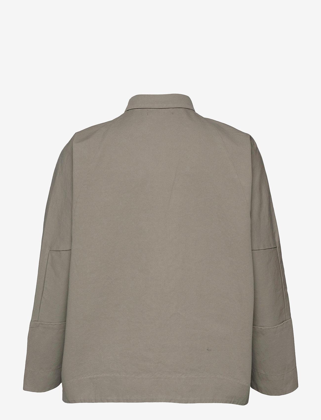 Ahlvar Gallery - Gigi over shirt - kleding - light military - 1