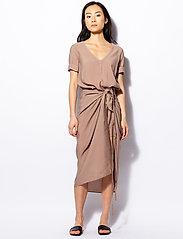 Ahlvar Gallery - Tamila dress - maxi dresses - sand - 0