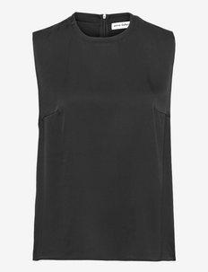 Selly tank - ermeløse bluser - black