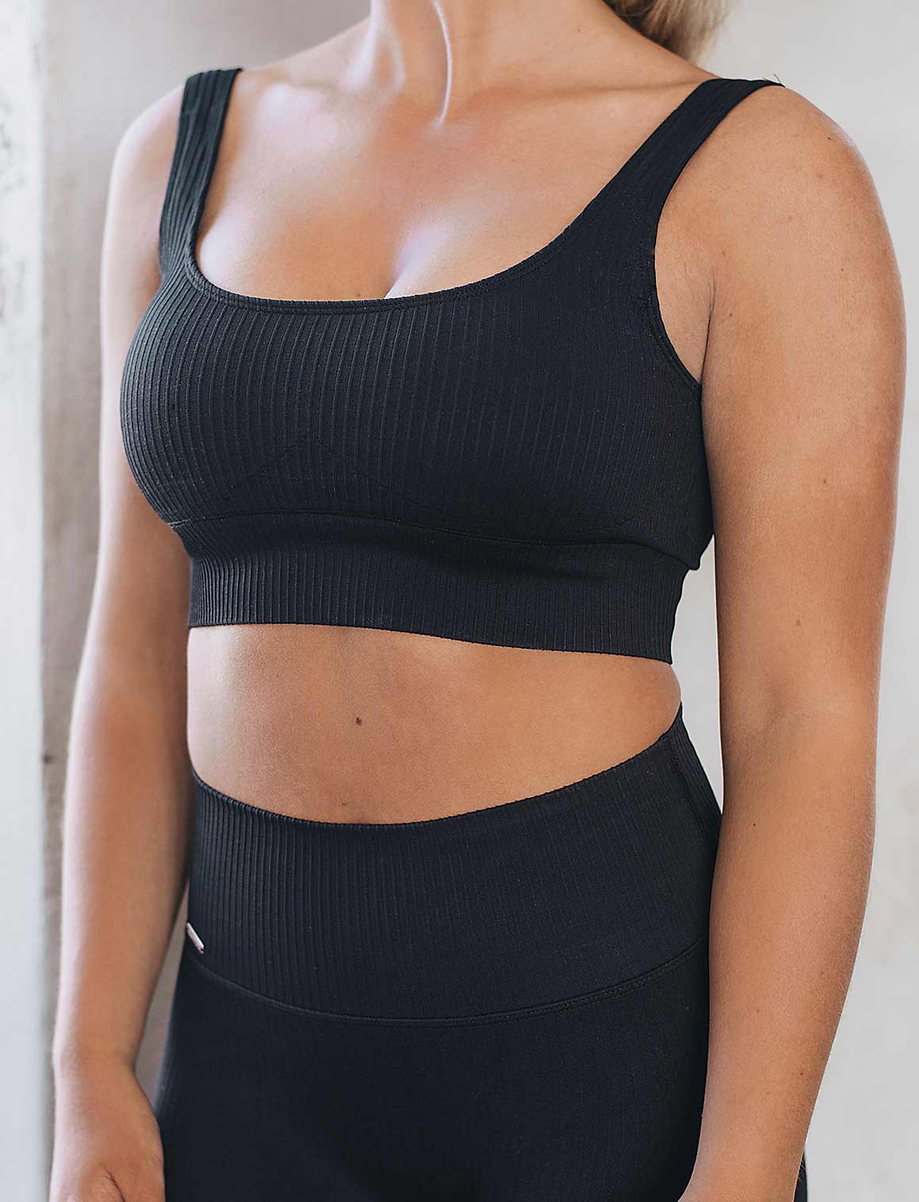 AIM'N - Black Ribbed Seamless Bra - sport bras: medium - black - 0