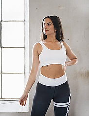 AIM'N - White Ribbed Seamless Bra - soft bras - white - 0