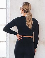 AIM'N - Black Ribbed Seamless Crop Long Sleeve - langærmede toppe - black - 3