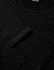 AIM'N - Black Ribbed Seamless Crop Long Sleeve - langærmede toppe - black - 6