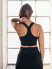 AIM'N - Black High Support Ribbed Bra - sort bras:high - black - 3