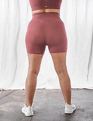 AIM'N - Pink Beat Ribbed Midi Biker Shorts - træningsshorts - pink - 4
