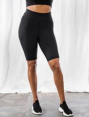 AIM'N - Black Logo Biker Shorts - træningsshorts - black - 4