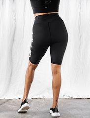 AIM'N - Black Logo Biker Shorts - træningsshorts - black - 5