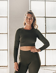 AIM'N - Khaki Ribbed Seamless Crop Long Sleeve - langærmede toppe - khaki - 0