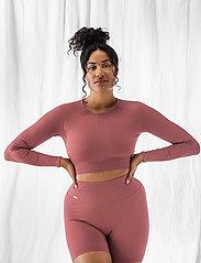 AIM'N - Pink Beat Ribbed Seamless Crop Long Sleeve - langærmede toppe - pink - 0