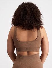 AIM'N - Bronze Ribbed Seamless Bra - sport bras: medium support - bronze - 6