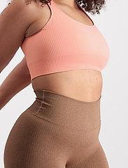 AIM'N - Peach Ribbed Seamless Bra - sport bras: medium support - peach - 7