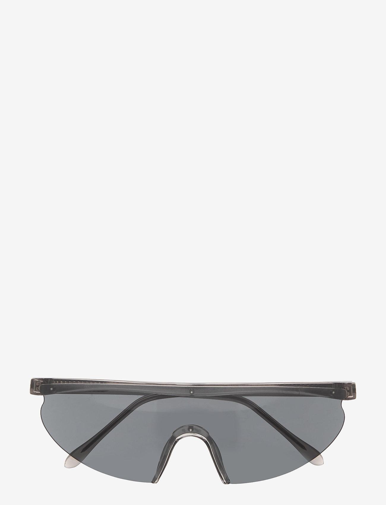 A.Kjærbede - Move2 - d-shaped - grey transparent - 1