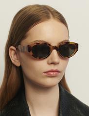A.Kjærbede - Winnie - d-vormige zonnebril - demi light brown transparent - 0