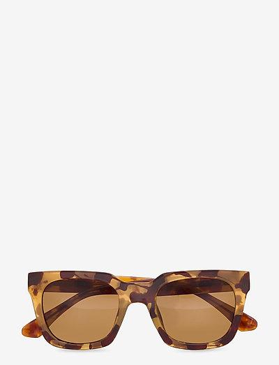 Nancy - d-shaped - demi light brown transparent