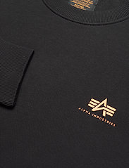 Alpha Industries - Basic Sweater Small Logo Neon Print - perusneuleet - black/neon orange - 2