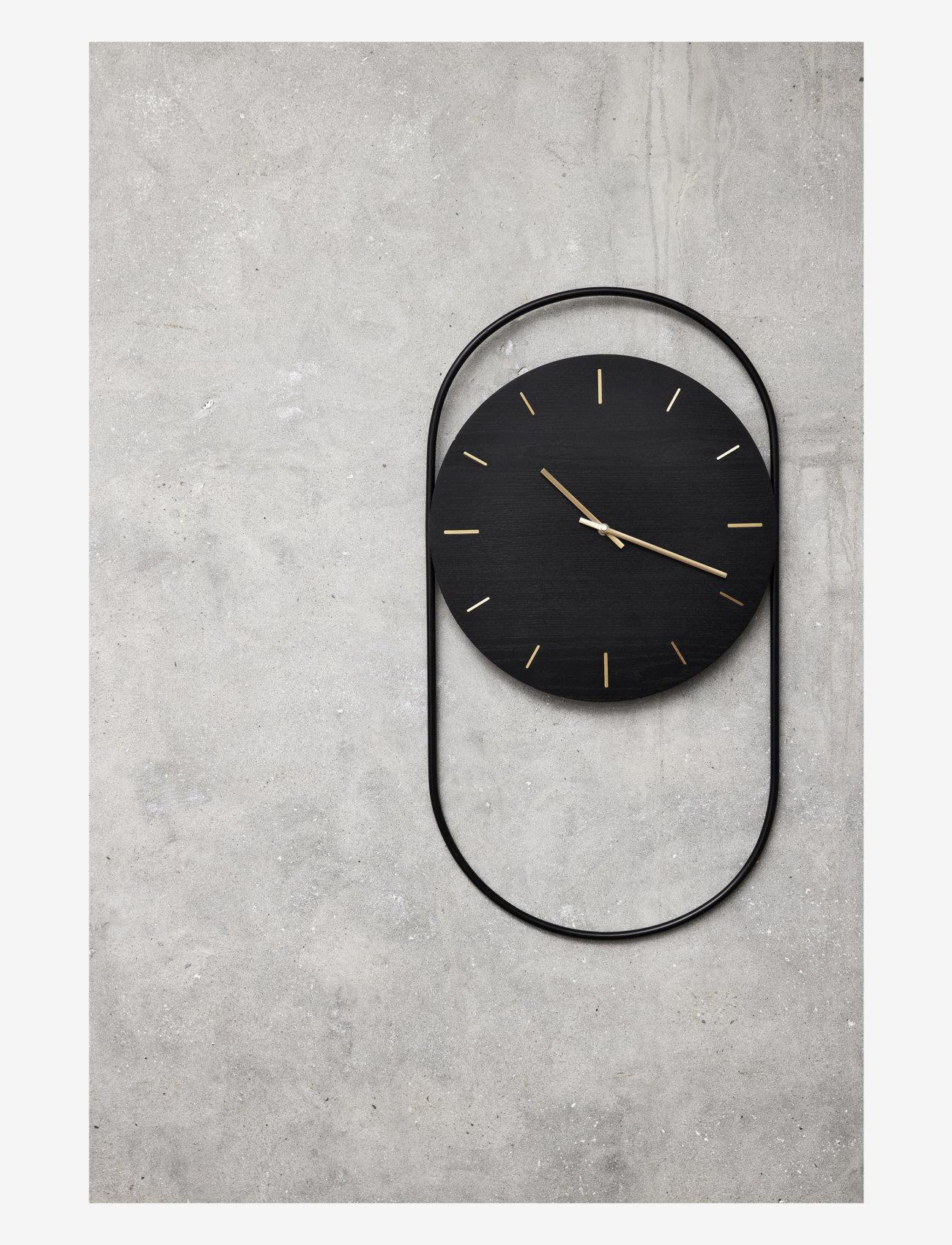 Andersen Furniture - A-Wall Clock Black with black metal ring - veggklokker - black - 1