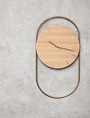 Andersen Furniture - A-Wall Clock Oak with brass ring - veggklokker - no color - 1