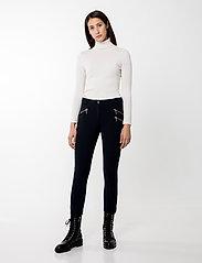 Andiata - Sacha 3 Trousers - broeken med skinny fit - dark navy - 0