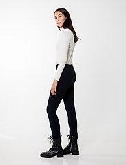 Andiata - Sacha 3 Trousers - broeken med skinny fit - dark navy - 3