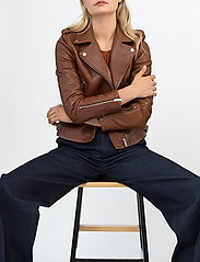 Andiata - Josita Leather Jacket - skinnjackor - cinnamon brown - 0