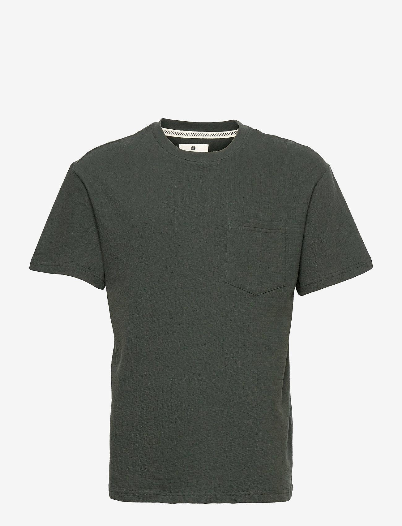 Anerkjendt - AKKIKKI STRUCTURE T SHIRT - basic t-shirts - deep forrest - 0