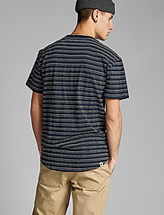 Anerkjendt - AKKIKKI CURV STRIPE - t-shirts à manches courtes - sky captain - 3