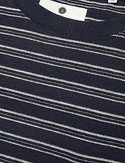 Anerkjendt - AKKIKKI CURV STRIPE - t-shirts à manches courtes - sky captain - 5
