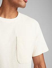 Anerkjendt - AKRUNE STRUC - basic t-shirts - tofu - 3