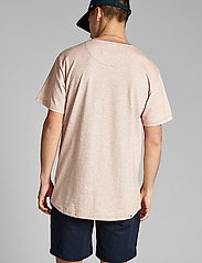 Anerkjendt - AKKIKKI CURV EMB - t-shirts - old rose - 3