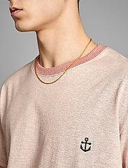 Anerkjendt - AKKIKKI CURV EMB - t-shirts - old rose - 4