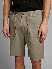 Anerkjendt - AKJENS LT ELASTIC SHORTS - casual shorts - brindle - 3