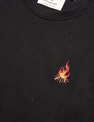 Anerkjendt - AKROD EMBROIDERY TEE - t-shirts - caviar - 2