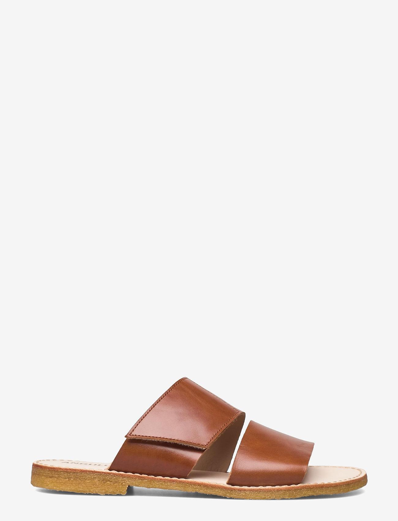 ANGULUS - Sandals - flat - open toe - op - flache sandalen - 1838 cognac - 1