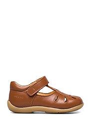 ANGULUS - Sandals - flat - closed toe -  - lauflernschuhe - 1431 cognac - 1