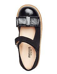 Dolly Shoe