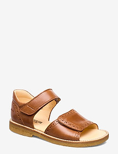 Sandals - flat - open toe - clo - 1838 COGNAC