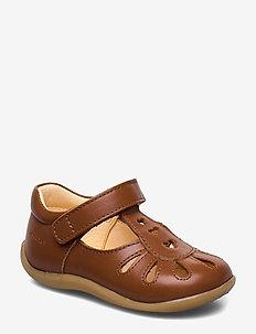 Sandals - flat - closed toe -  - pre-walkers - 1431 cognac