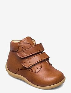 Boots - flat - with velcro - sko - 1545 cognac